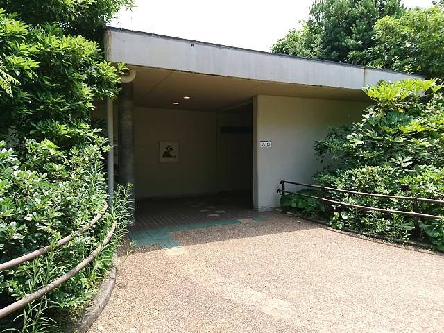 いしかわ動物園 チンパンジーの丘入口