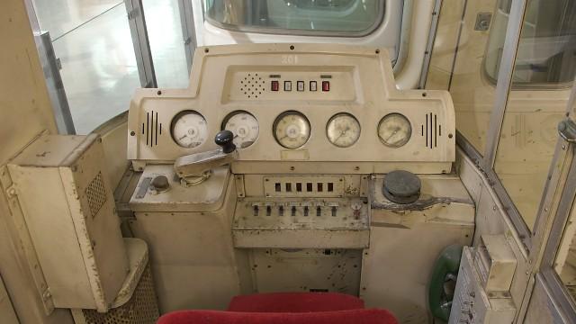手柄山交流ステーション 保存車両の運転台