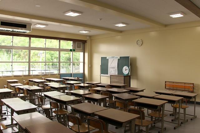 むろと廃校水族館 教室